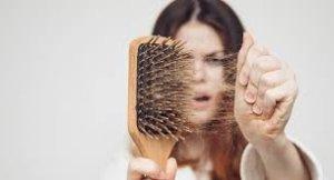 Saç Dökülmesi Nedenleri ve Tedavisi